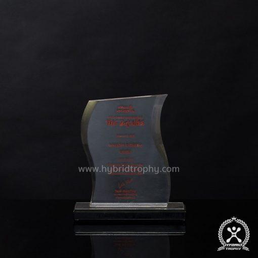 รับผลิตโล่รางวัล ถ้วยรางวัล (Trophy) ทุกชนิด สินค้าชั้นนำของประเทศทย นำเข้าและจำหน่ายโล่รางวัล ถ้วยรางวัลมีให้เลือกหลากหลายขนิด หลากหลายรูปแบบ หลากหลายขนาดตามความเหมาะสมของงาน ตามความต้องการ รวมถึงทางเรายังรับผลิตเบอร์นักวิ่ง (BIB) รับผลิตเสื้อกีฬาคุณภาพสูง คุณภาพดี ราดาถูก ขายปลีก ซื้อจำนวนปลีก ในราคาส่ง ราคาโรงงาน